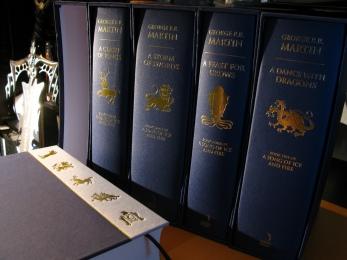 Les cinq tomes en version  originale - © https://www.flickr.com/photos/jemimus/7001296551/