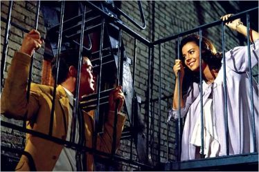 Tony et Maria - West Side Story - © http://www.allocine.fr/film/fichefilm-1073/photos/detail/?cmediafile=18629181