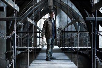 Harry, joué par Daniel Radcliffe, dans le huitième film - © http://www.allocine.fr/personne/fichepersonne-61009/photos/detail/?cmediafile=19706958