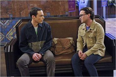 Sheldon et Leonard (Jim Parsons, Johnny Galecki), saison 7 - © http://www.allocine.fr/series/ficheserie-3247/photos/detail/?cmediafile=21098598