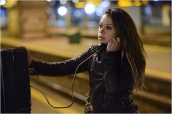 Tatiana Maslay en Sarah Manning - © http://www.allocine.fr/series/ficheserie-11450/photos/detail/?cmediafile=21057741