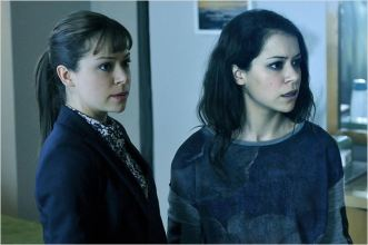 Tatiana Masley en Sarah et Alison Hendrix - © http://www.allocine.fr/series/ficheserie-11450/photos/detail/?cmediafile=21104277