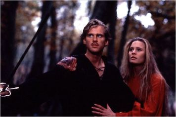 Westley (Cary Elwes) et Buttercup (Robin Wright) - © http://www.allocine.fr/film/fichefilm-3326/photos/detail/?cmediafile=19130303