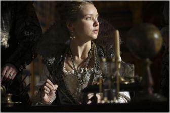 La Reine Anne d'Autriche, (Alexandra Dowling), saison 2 - © http://www.allocine.fr/series/ficheserie-11305/photos/detail/?cmediafile=21166600